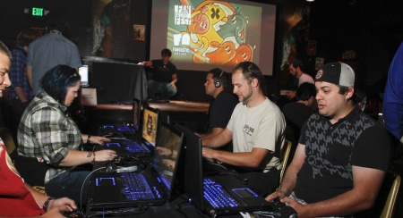 Fantastic Arcade Happy Hours and Tournaments